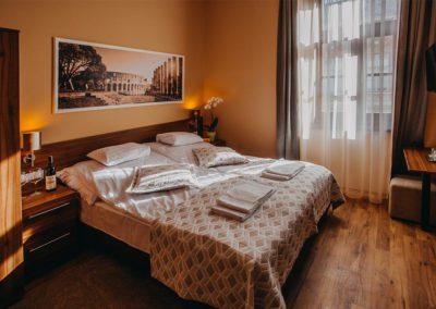 Forum Hotel és Étterem - szobáink - Szombathely